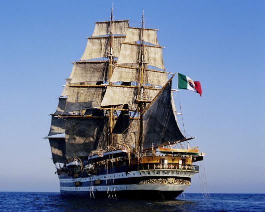 Risultato immagini per nave amerigo vespucci